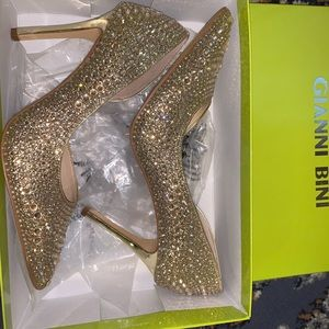 Gold Gianni Bini heels